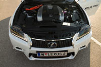 Lexus GS 450h front with engine bay